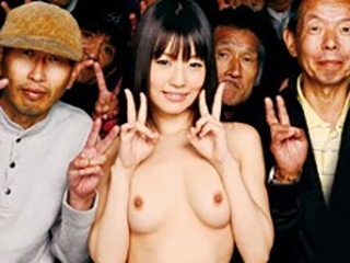 清純派人気AV女優のつぼみがホームレス集団と連続ナマ中出しSEX!