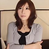 美人な素人妻!欲求不満でAV出演⇒ナマ中出しSEX!