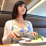 ビキニ日焼けと美マンがエロい黒髪さんが応募初撮り⇒清楚顔に発射!