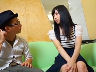 パンティ売買に来た激カワ美少女素人さんに次々とエロ要求して勝手にハメ盗撮!