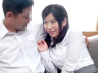 「こんな興奮してくれたの?」素人君の願望の為に撮影隊が2人の距離縮め両思い初SEX!