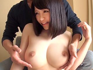 アイドル超えの高スペック!?童顔美少女の神クラス美巨乳を堪能しまくりハメ撮!