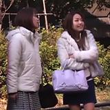 「すご~い!おっきぃ!」友達の巨乳にはしゃぐ素人ギャルに生ハメ中出し!