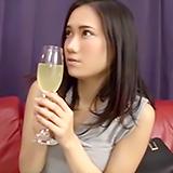オシャレ素人さんに媚薬入りドリンクを試飲してもらい…発情ナマ中出しSEX!