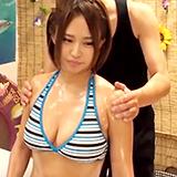 巨乳ビキニ彼女を性感オイルマッサージ⇒理性マヒって腰も乳も振りまくり中出しH♪